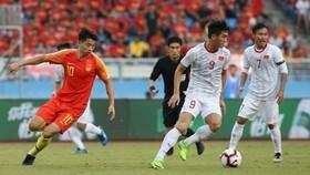 Tiến Linh từng làm chao đảo hàng thủ U22 Trung Quốc trong chiến thắng 2-0 của U22 Việt Nam cách đây hai năm. Ảnh: Đoàn Nhật