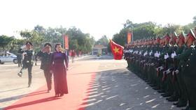 Chủ tịch Quốc hội thăm, chúc tết cán bộ, chiến sĩ Bộ Chỉ huy Quân sự tỉnh Đắk Lắk