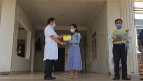 Bệnh nhân 601  có kết quả xét nghiệm 6 lần âm tính với SARS-CoV-2 và được xuất viện