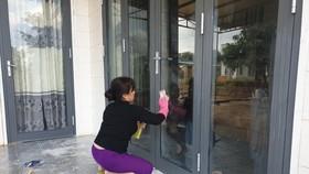 """Một hộ dân ở Đắk Lắk liên tục bị """"khủng bố"""" bằng sơn và mắm tôm"""