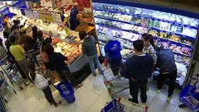 Đắk Lắk giãn cách xã hội theo Chỉ thị 15, người dân đổ xô mua hàng dự trữ