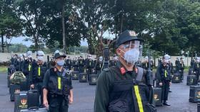 Hàng trăm cảnh sát cơ động vào các tỉnh, thành phía Nam chống dịch