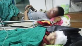 Hành khách bị thương đang được cấp cứu tại Bệnh viện đa khoa tỉnh Kon Tum