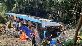 Khởi tố tài xế điều khiển xe khách lao xuống vực làm 6 người chết ở Kon Tum