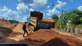 Vụ doanh nghiệp khai thác đất lậu để thi công đường: Đất vi phạm tăng thêm hơn 200m³
