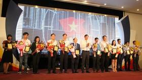 Ông Lê Trung Chinh, PCT UBND Đà Nẵng tôn vinh 38 doanh nghiệp chăm lo tốt đời sống người lao động năm 2019