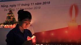 Đà Nẵng: 1.000 hoa đăng tưởng niệm nạn nhân tử vong TNGT