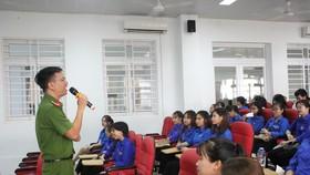 Thành Đoàn Đà Nẵng tuyên truyền gần 200 sinh viên tại các trường đại học, cao đẳng