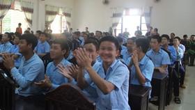 Các học viên Trường Giáo dưỡng số 3 trong hoạt động giao lưu đón tết