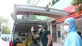Sau khi xuất viện, bệnh nhân sẽ được theo dõi, cách ly tại nơi cư trú 14 ngày