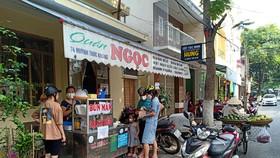 Hầu như các cơ sở ăn uống đều tuân thủ bán trực tuyến hoặc bán mang về