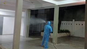 Phun hóa chất tại Bệnh viện C và Bệnh viện Đà Nẵng phòng chống Covid-19