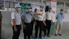 Thứ trưởng Nguyễn Trường Sơn kiểm tra tình hình thực hiện các quy định phòng, chống dịch Covid-19 tại một số doanh nghiệp trong các khu công nghiệp TP Đà Nẵng