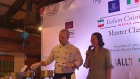 Đầu bếp hàng đầu Ý chế biến món ăn nổi tiếng của Ý tại sự kiện