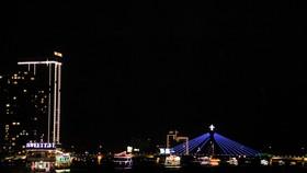 Thưởng ngoạn sông Hàn trong dịp tết dương lịch năm 2021