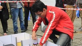 """Sinh viên khoa Khoa học Công nghệ tiên tiến (FAST) trường Đại học Bách khoa Đà Nẵng với cuộc thi """"Robot Dò Mê Cung- Maze Runner Robot Race"""""""