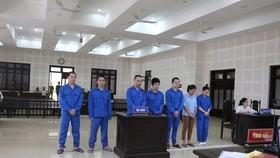 Các bị cáo bị tuyên phạt tại TAND TP Đà Nẵng. Ảnh: XUÂN QUỲNH