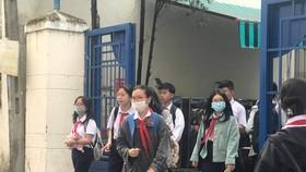 Học sinh bắt buộc đeo khẩu trang khi đến trường học