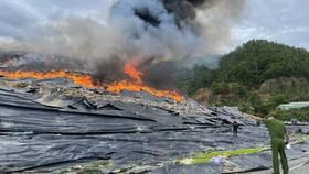 Đã xác định nguyên nhân gây cháy tại bãi rác Khánh Sơn