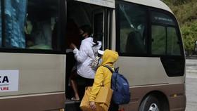 Trạm vận hành Trung chuyển hầm Hải Vân đã đưa 23 công dân này đến chốt kiểm soát dịch Lăng Cô