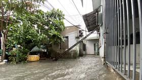 Nhiều nơi ở TP Đà Nẵng ngập lụt sâu do mưa lớn liên tục