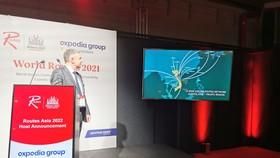 Ông Steven Small, Giám đốc của Informa Routes công bố TP Đà Nẵng là địa phương đăng cai Diễn đàn Phát triển đường bay Châu Á 2022