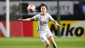 Tiền vệ xinh đẹp Lee Min-a của bóng đá nữ Hàn Quốc.