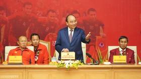 Thủ tướng gặp gỡ hai đội bóng