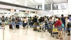 Thêm cửa khởi hành, quầy check-in phục vụ hành khách