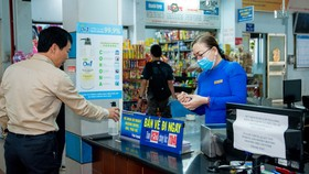 LIXCO trao tặng hơn 5.000 lít gel rửa tay khô trong mùa dịch Covid -19