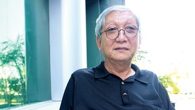 Nhà văn Lê Văn Nghĩa: Cái gì cũng cần phải nhìn hai mặt