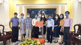 Các cá nhân, tổ chức ủng hộ Quỹ phòng chống dịch Covid-19