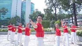 Ca sĩ Nguyễn Phi Hùng trong MV