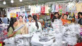 Chương trình khuyến mại năm 2019 của TPHCM thu hút đông đảo người tiêu dùng mua sắm