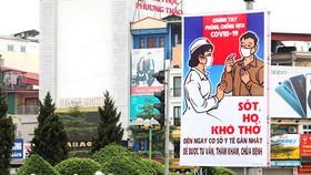 Tranh cổ động phòng chống dịch Covid-19 trên đường phố Hà Nội