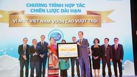 """FrieslandCampina cam kết thực hiện """"Vì một Việt Nam vươn cao vượt trội"""""""