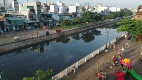 Rạch Ụ Cây (quận 8) đã được chỉnh trang, nâng cao chất lượng sống cho người dân khu vực. Ảnh: CAO THĂNG