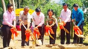 Hỗ trợ xây dựng đường nông thôn mới tại tỉnh Bến Tre