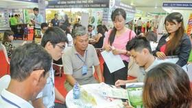 Doanh nghiệp và các nhà sản xuất gặp nhau tại Hội nghị kết nối cung cầu hàng hóa giữa TPHCM và các tỉnh, thành phố năm 2019. Ảnh: CAO THĂNG