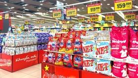 Nhiều sản phẩm giảm giá khủng thông qua hình thức thương mại điện tử