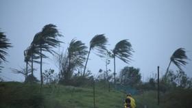 Philippines sơ tán hàng ngàn người do bão Vamco