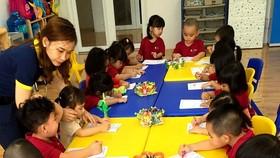 Các bé tại một cơ sở giáo dục ngoài công lập ở Sóc Trăng