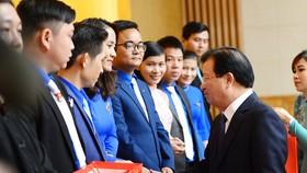 56 thanh niên nông thôn nhận giải Lương Định Của năm 2020