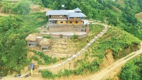 Ngôi nhà chênh vênh trên núi sở hữu tầm nhìn khoáng đạt
