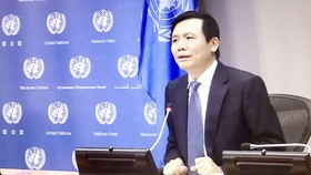 Đại sứ Đặng Đình Quý, Trưởng Phái đoàn đại diện thường trực Việt Nam tại Liên hiệp quốc, phát biểu trong buổi họp báo. Ảnh: TTXVN