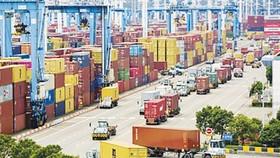 Cảng Ninh Ba, cảng lớn thứ 3 của Trung Quốc, mở cửa trở lại sau 2 tuần phong tỏa do dịch Covid-19