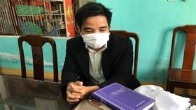 Đối tượng Hồ Rin tại cơ quan công an. Ảnh: Báo Pháp Luật Việt Nam