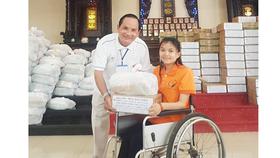 Tặng hơn 600 phần quà cho người nghèo, người tàn tật