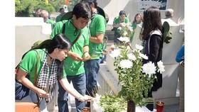 Dâng hương, tưởng niệm 10 liệt sĩ TNXP