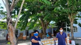 Tặng bệnh nhân Covid-19 trên địa bàn huyện Nhà Bè 3 tấn cá tươi